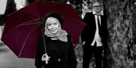 Britt-Synnøve Johansen m/band: Fra Champs-Elysèes til Storhaug allè